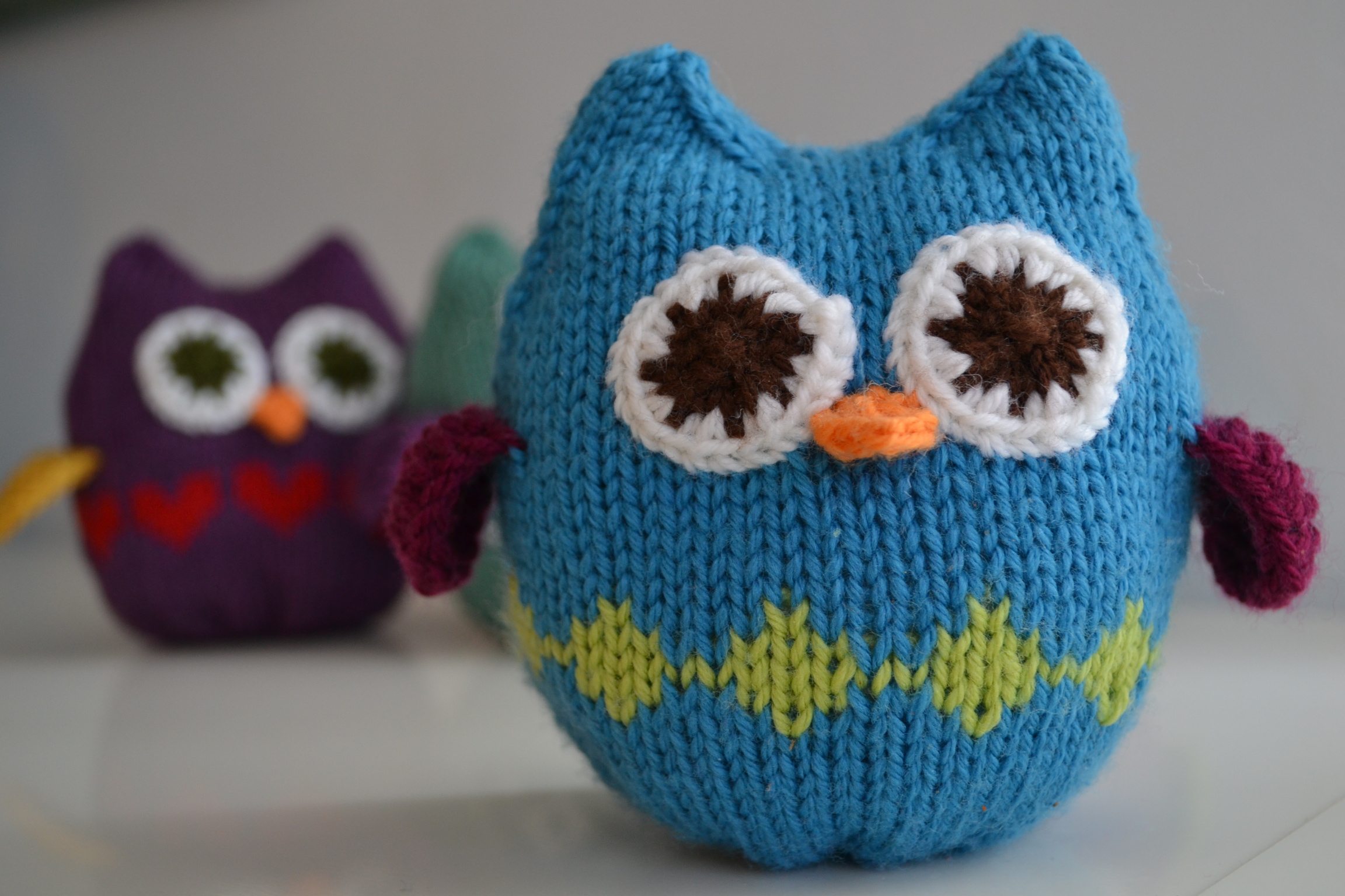 Squish Owls.  aknitica designs.