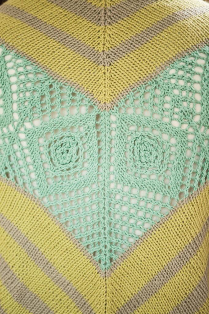 Sea Glass Shawl by Amanda Schwabe #summerknitting #Cotlin #KnitPicks #aknitica