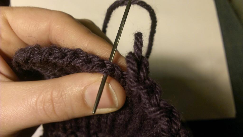 Binding off in the round trick. www.aknitica.com #knittingtips #write31days