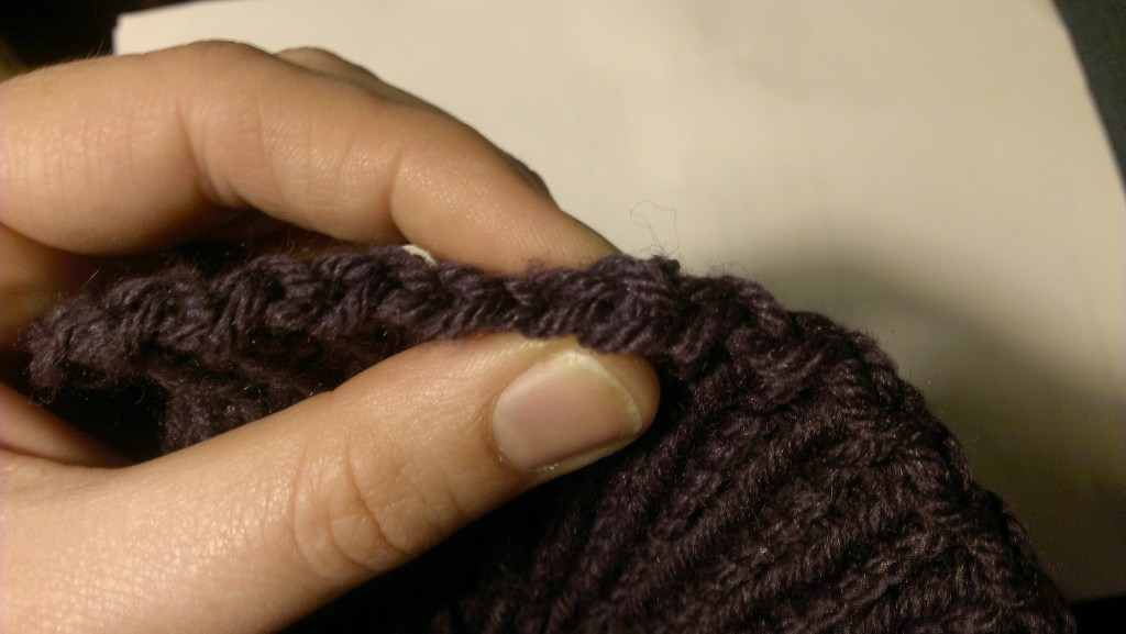 Perfect cast-off edge join for circular knitting. www.aknitica.com #knittingtips #write31days
