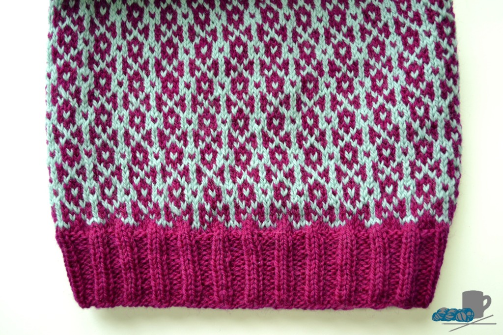 Obla Slouchy Hat pattern. www.aknitica.com #knitting #hats
